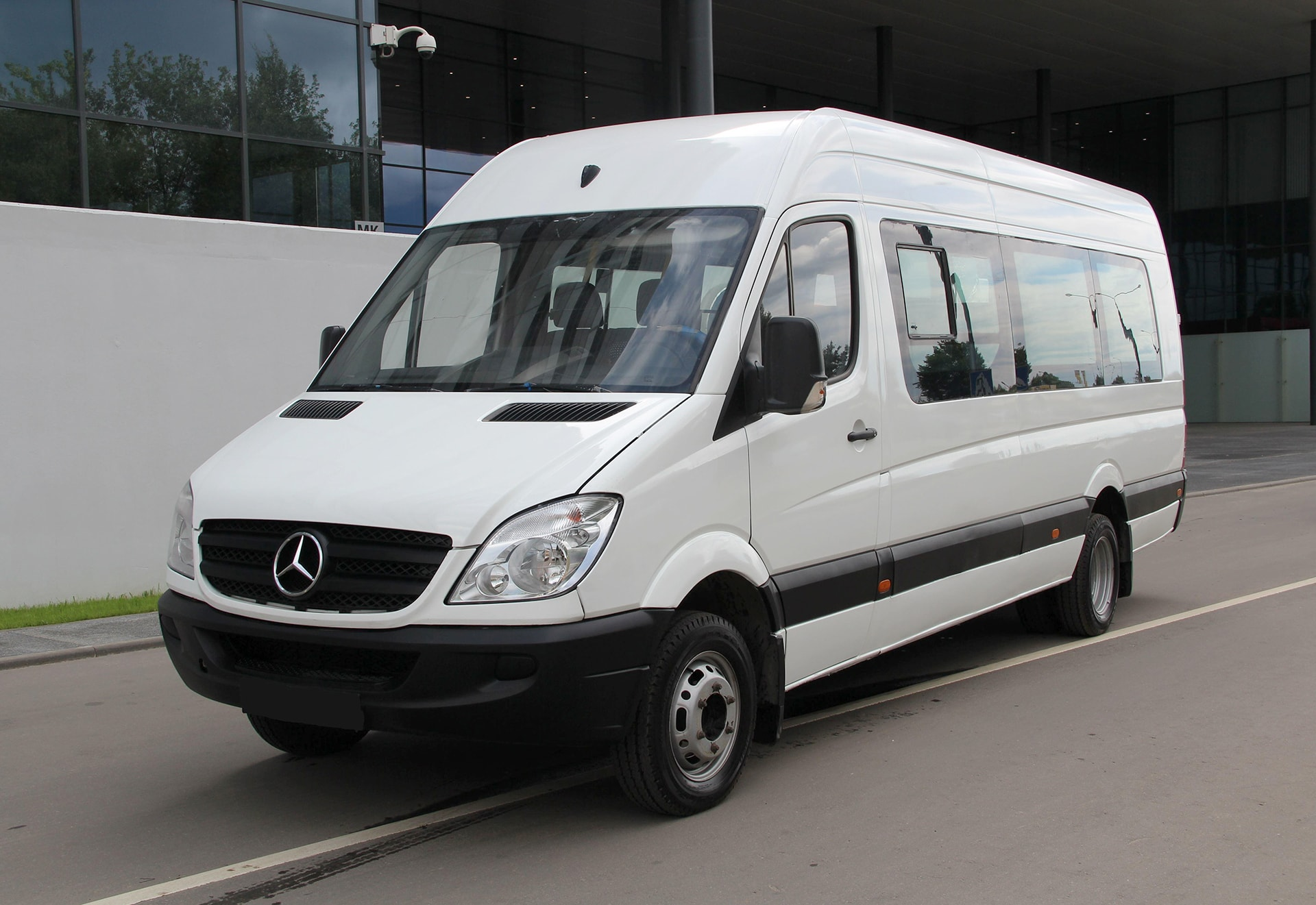 coinss passenger worker for wheel steering benz van mercedes sprinter coin less news offers rental capability