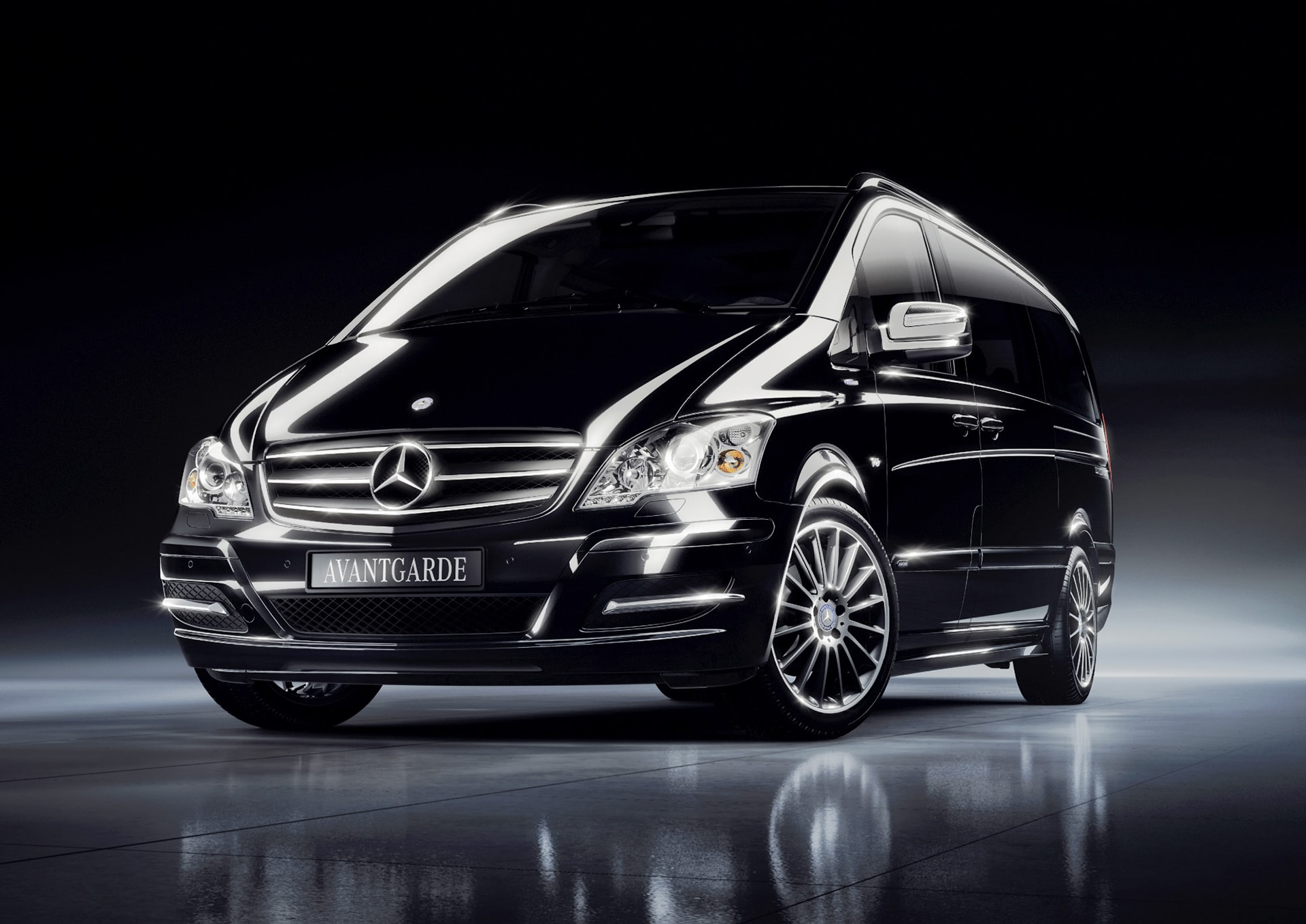 mercedes benz viano lease in astana toplimo kz. Black Bedroom Furniture Sets. Home Design Ideas