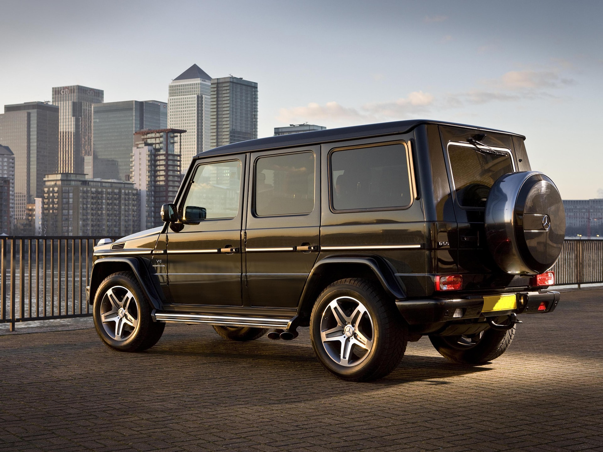 Mercedes benz g class gel ndewagen rent in astana toplimo kz for Mercedes benz g class pictures