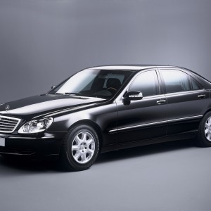 Аренда Mercedes-Benz S-class W220 в Астане | +7 701 728 57 41